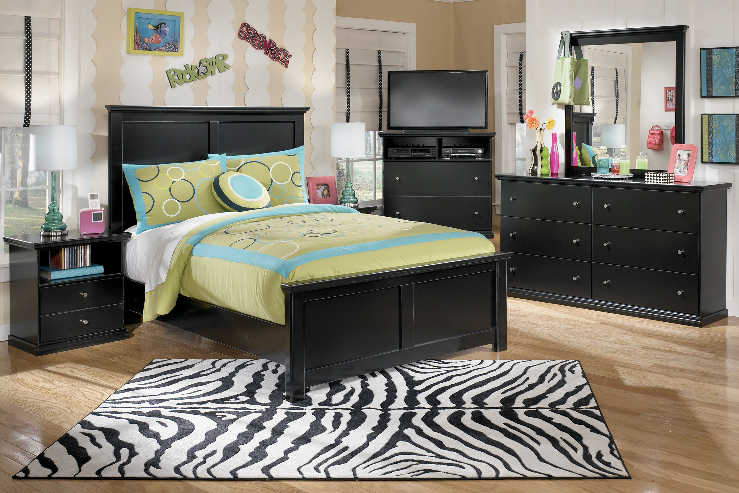 Red Oak Bedroom Furniture Shop Bedroom Furniture At Gardner White