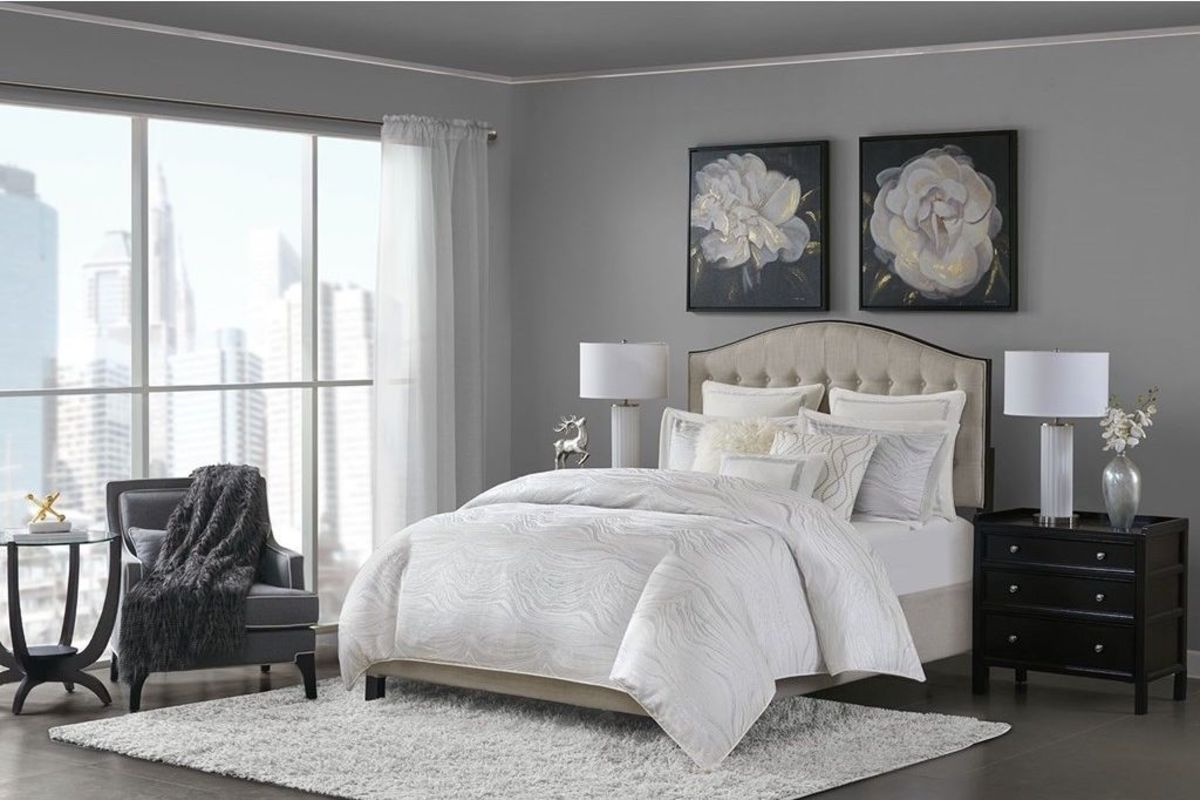 Hollywood 8-Piece Queen Comforter Set