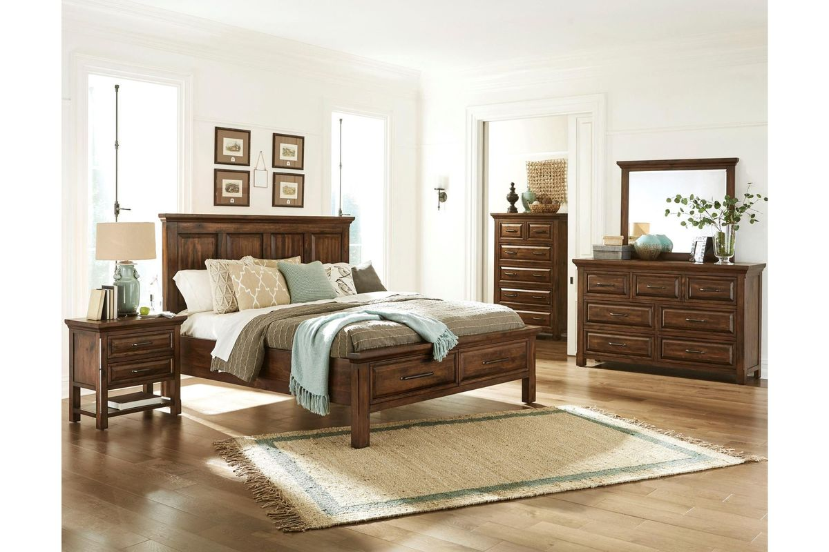 Hillcrest 5-Piece King Bedroom Set with 32\