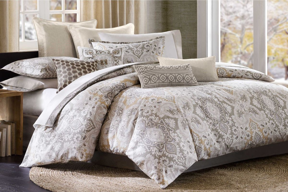 4-Piece Queen Odyssey Comforter Set from Gardner-White Furniture