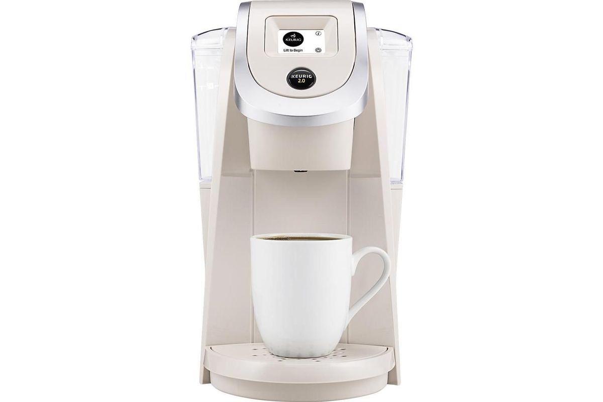 Keurig K200 Single Serve K Cup Pod Coffee Maker In Sandy Pearl