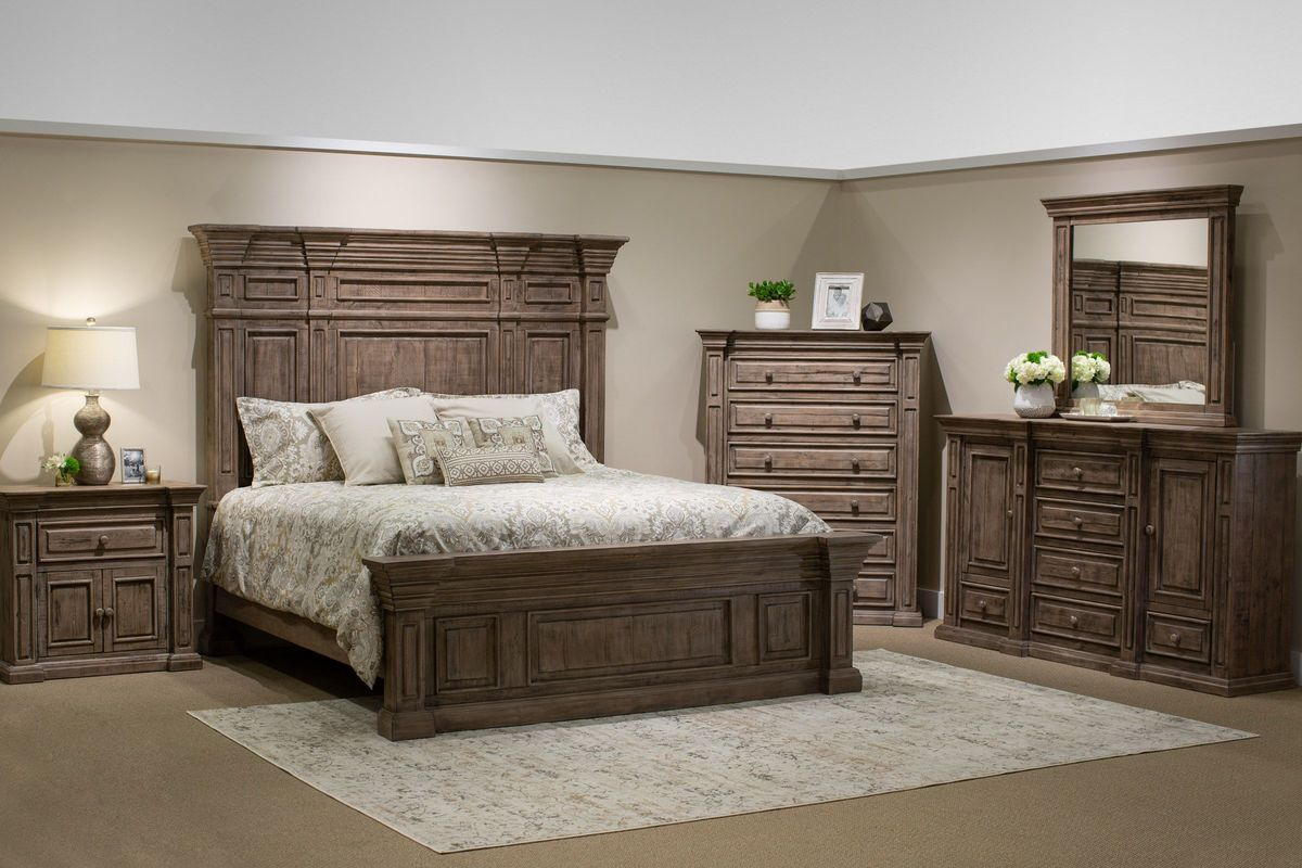 Wimberly 5-Piece King Bedroom Set with 32