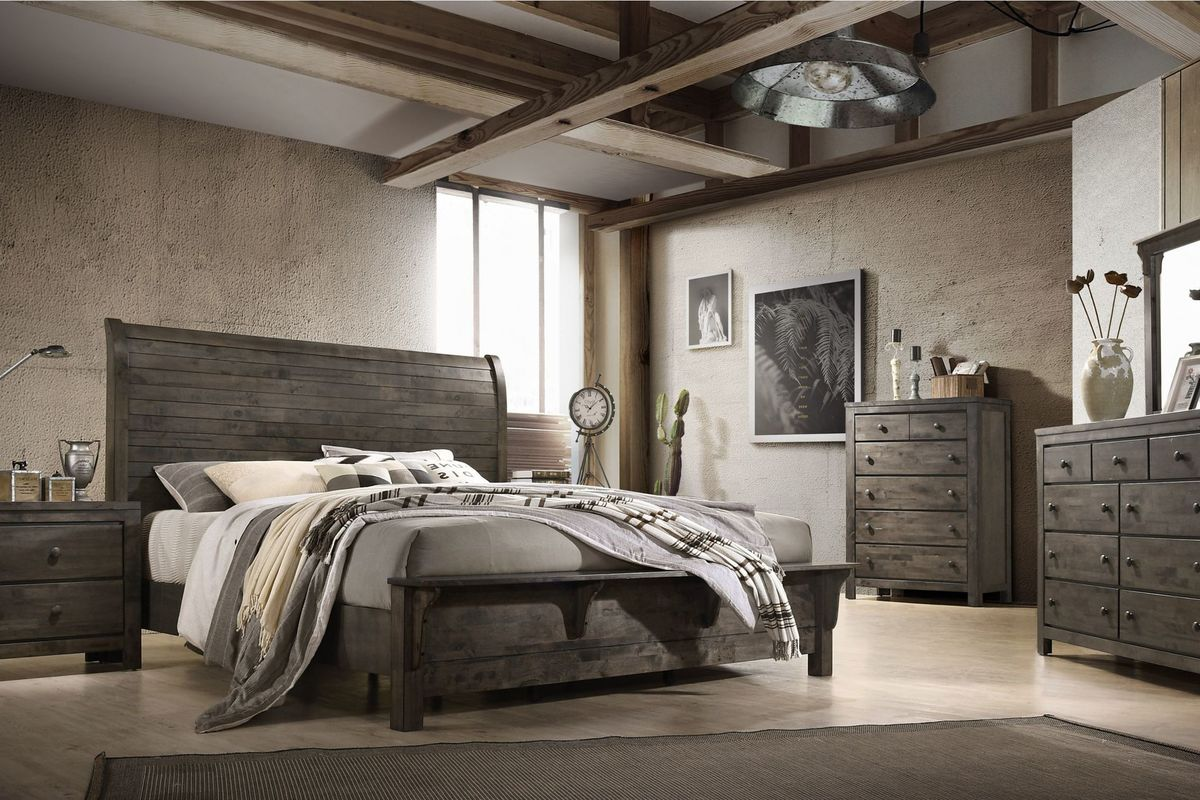 Danalyn 5-Piece King Bedroom Set
