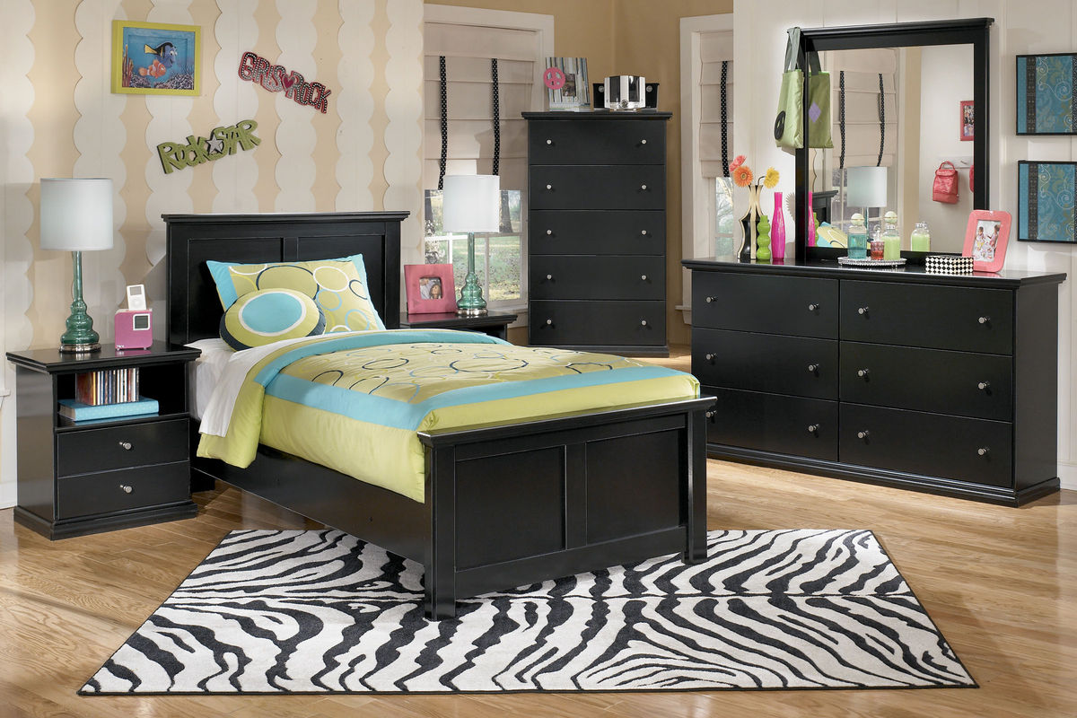 Maribel Black Twin Bed at Gardner-White