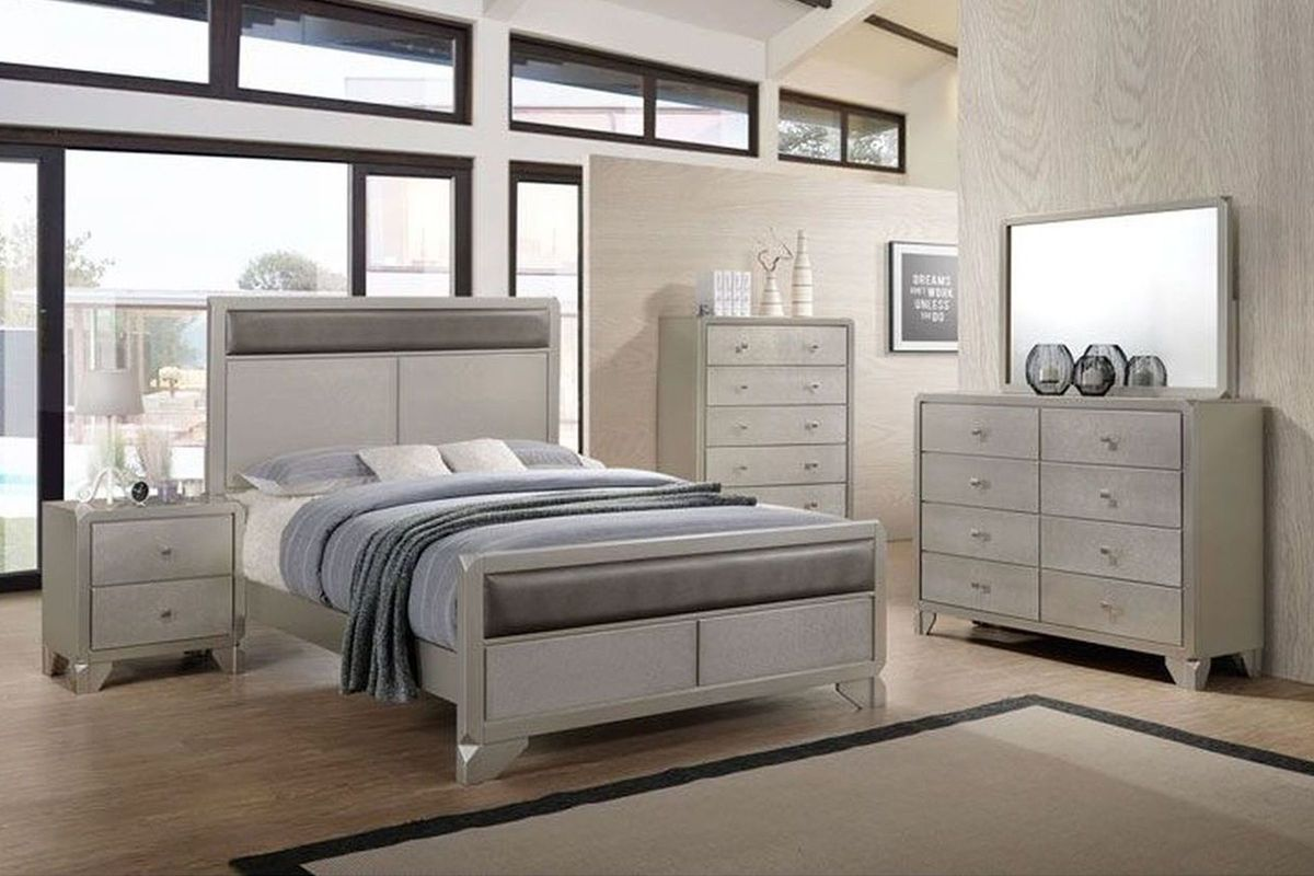 Noviss 5-Piece King Bedroom Set