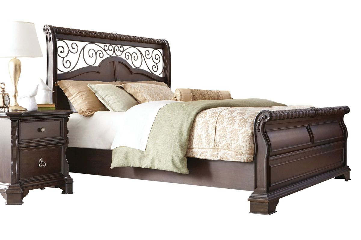 """Elvira 5-Piece King Bedroom Set With 32"""" LED-TV At Gardner"""