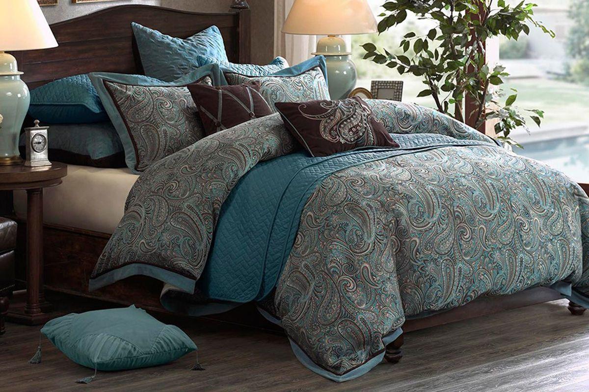 Lauren 8-Piece Queen Comforter Set from Gardner-White Furniture