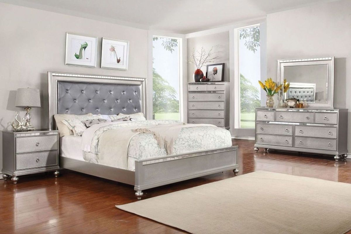 King Bedroom Furniture Saxon 5 Piece King Bedroom With 32 Led Tv