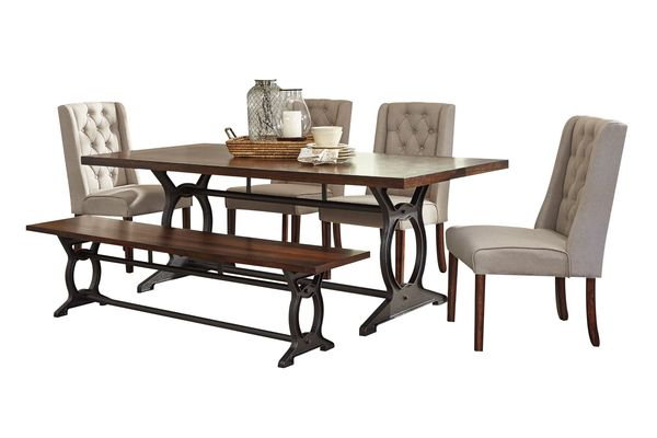 Laurel Dining Table 4 Side Chairs