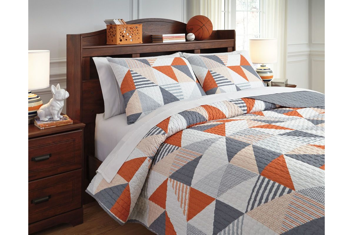 Layne Full Coverlet Set by Ashley from Gardner-White Furniture