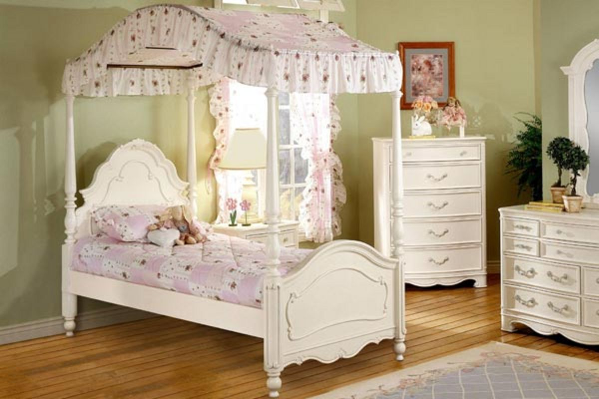 Michelle Twin Canopy Bed At Gardner White