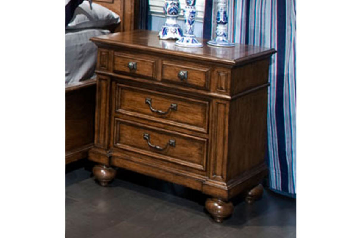 White Nightstand And Dresser: Davis Queen Bed, Dresser With Mirror, Chest, Nightstand