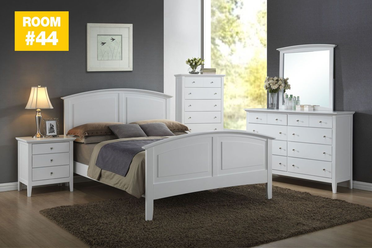 piece queen bedroom set with 32 tv from gardner white furniture