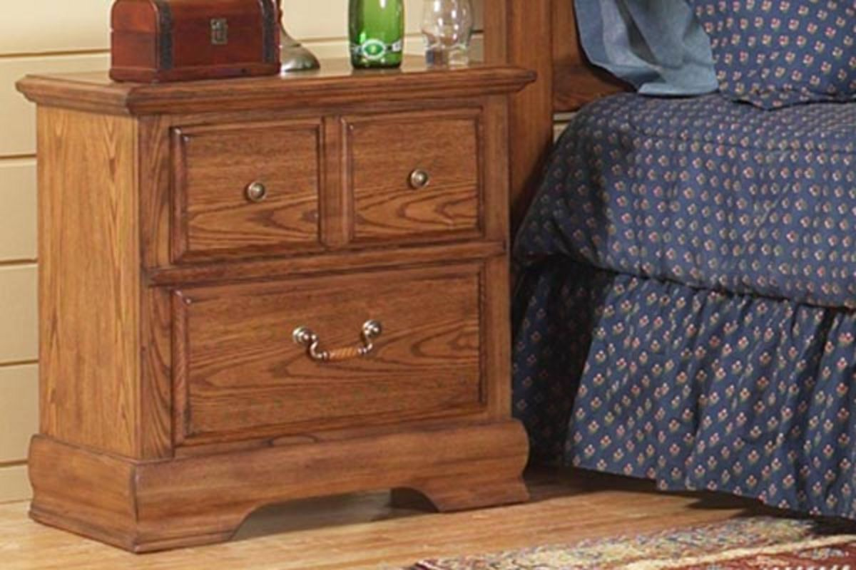 White Nightstand And Dresser: King Bed With Dresser, Mirror, Chest & Nightstand At